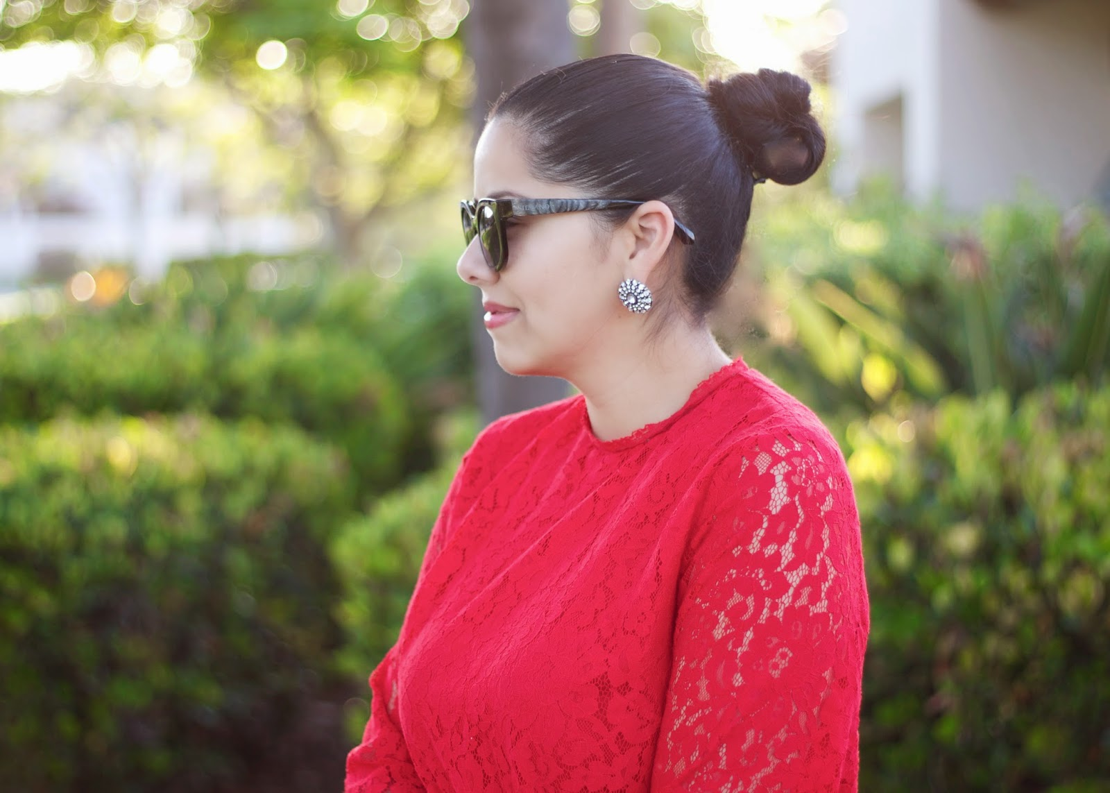 San diego style blogger, sock bun fashion, Sparkly large stud earrings, silvano sunglasses