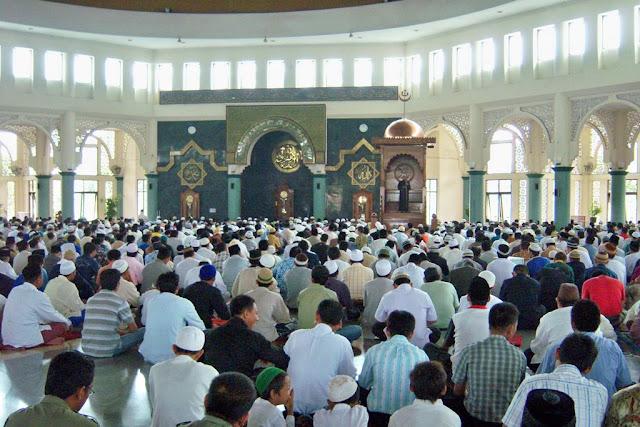 Wali Kota Ini Imbau Umat Islam Berhenti Beraktivitas Saat Azan