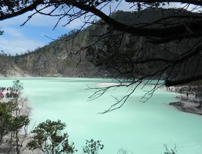 objek wisata kawah putih