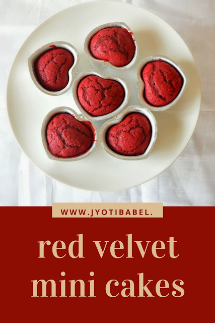 Red Velvet Mini Cakes | These red velvet mini cakes are a perfect party dessert. They don't just look gorgeous, they taste awesome too. Find the recipe at www.jyotibabel.com