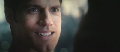 Henry Cavill CGI upper lip in Justice League