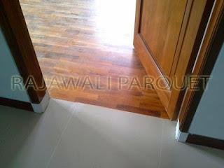 Proyek pemasangan lantai kayu vinyl di Bandung