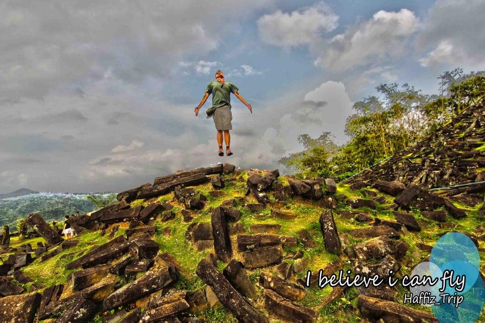 Hasil Penelitian Situs Gunung Padang Beredar Hasil Penelitian Gunung Padang Katakini Situs Gunungpadang Merupakan Situs Prasejarah Peninggalan Kebudayaan
