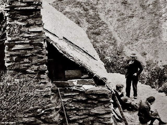 A photo of the Stanley-Miller cabin, taken in 1933, located 1200 feet above Justice's cabin.