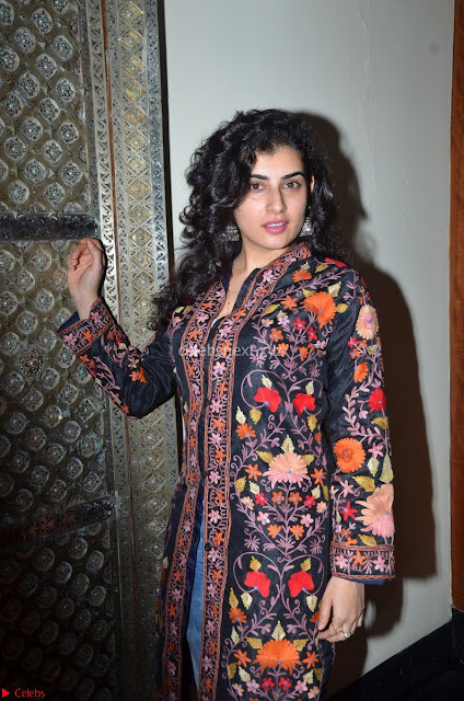 Archana (Veda) in Jeggings and Long Kurti Spicy Pics ~  Exclusive 001.JPG