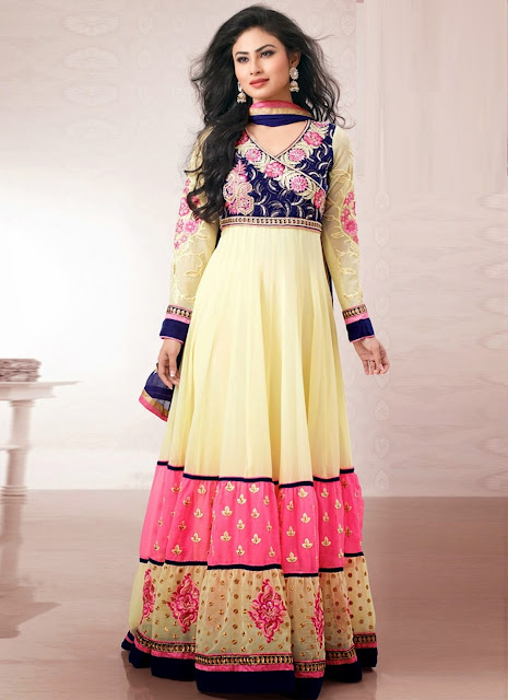 mouni-roy-dress-beautiful