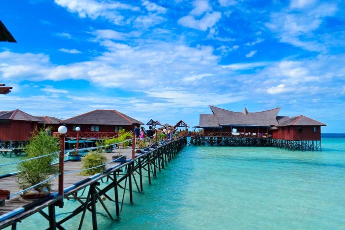 Paket wisata ke pulau derawan