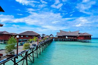 Paket Tour Pulau Derawan - Tour Indonesia