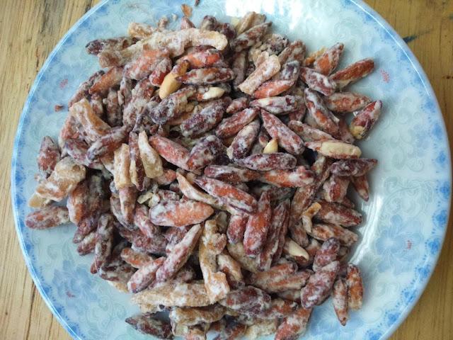 Mứt hạt bàng - Món quà du lịch không thể thiếu ở Côn Đảo