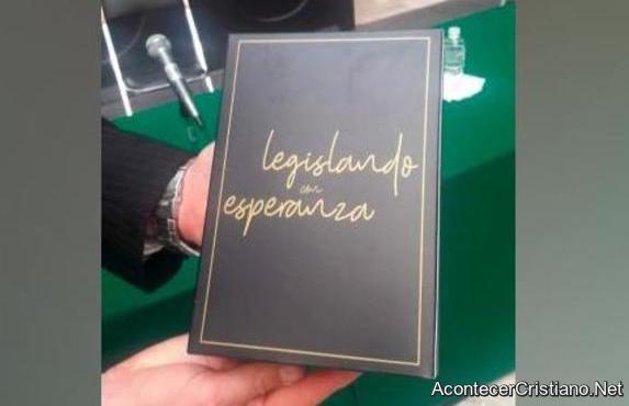 Biblias para diputados mexicanos