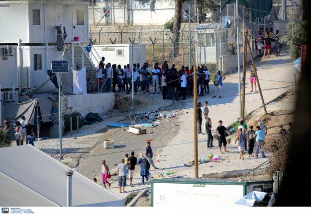 Ξεπέρασαν τους 10.000 οι πρόσφυγες στη Μυτιλήνη