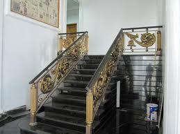 gambar railing tangga besi tempa