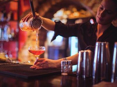 nam-nu-deu-co-the-tro-thanh-bartender-chuyen-nghiep