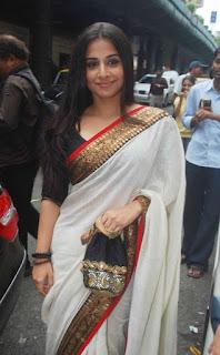 Vidya Balan Long hair Stills In White Saree (6)
