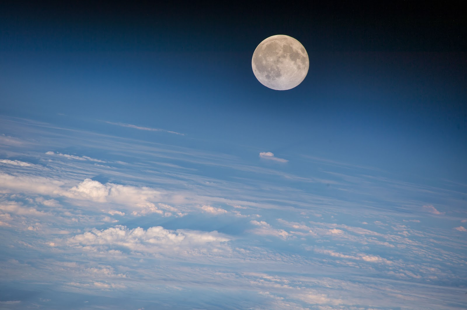 Rise Credit >> Moonrise seen from the International Space Station | Earth Blog
