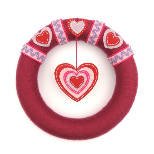https://thevillagehaberdashery.co.uk/blog/2017/a-year-of-wreaths-february-valentines-heart-wreath-by-laura-howard