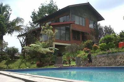 Villa di Puncak Bogor Untuk 2 Orang