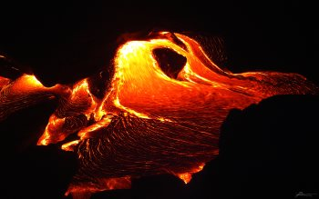 Wallpaper: Kilauea flowing lava