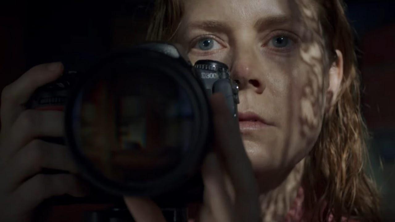 """Assista ao trailer sinistro de """"A Mulher na Janela"""", suspense com Amy Adams"""