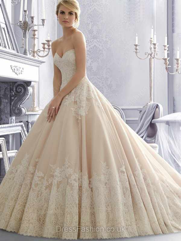http://www.dressfashion.co.uk/product/sweetheart-champagne-tulle-appliques-lace-amazing-ball-gown-wedding-dress-ukm00022366-14440.html?utm_source=minipost&utm_medium=1173&utm_campaign=blog