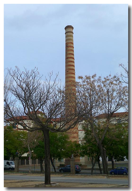 Dos hermanas ayer y hoy chimenea antigua f brica de yute for Fabrica de chimeneas