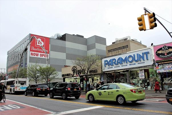 Stora shoppinggatan i Harlem: 125th Street