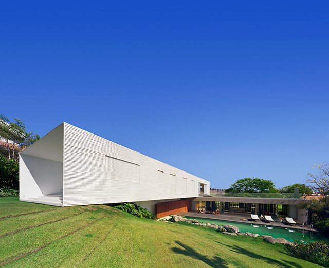 Casa en piracicaba isay weinfeld arquitectura y dise o for Arquitectura y diseno de casas