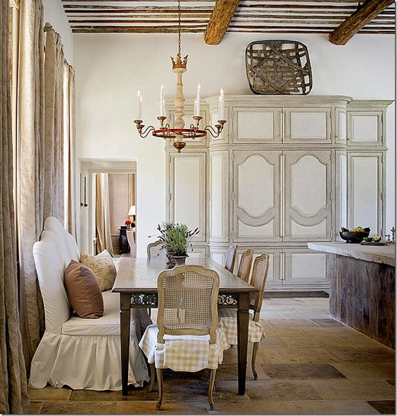 Old World Dining Room Chandeliers: 10 Decorating Ideas For French Country & Swedish Dining