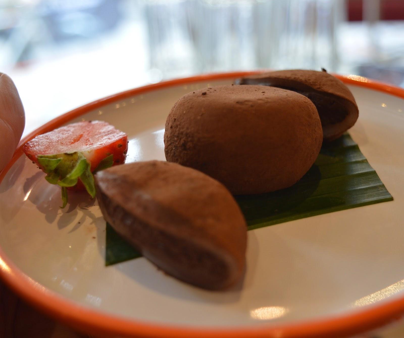 YO! Sushi Newcastle Grainger Street - Kids Menu Review - chocolate mochi