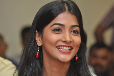 Pooja Hegde Images And Wallpapers, Mohenjo Daro Movie Heroine - Pooja Hegde Images