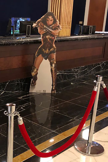 Why is some Wonder Woman greeting me as i check in at the Gaylord Nation front desk? Magfest, that is why! (Source: Palmia Observatory)