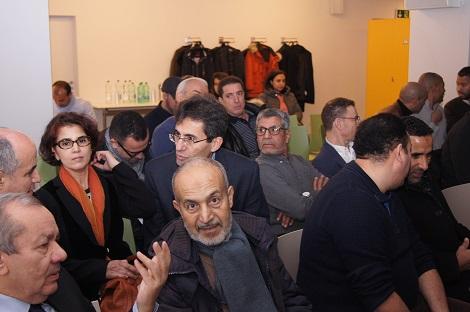 سفير المملكة يلتقي مغاربة سويسرا ويعد بخدمات قنصلية متنقلة