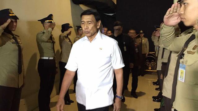 Jaga KPU, Wiranto Minta TNI-Polri Pakai Pentungan