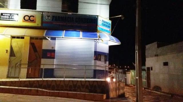 Dupla assalta farmácia em Barra da Estiva