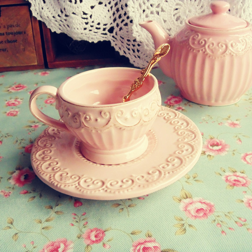 photo vintage-relief-pink-princess-coffee-cup-and-saucer_zpsrcciofb4.jpg