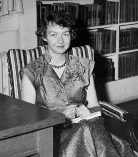 Flannery O'Connor looking glamourous