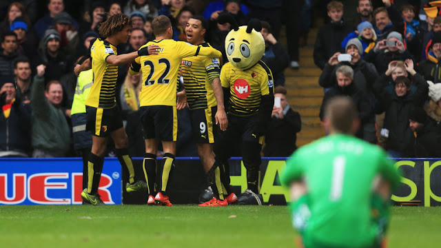 Watford players celebrate goal Man United De Gea