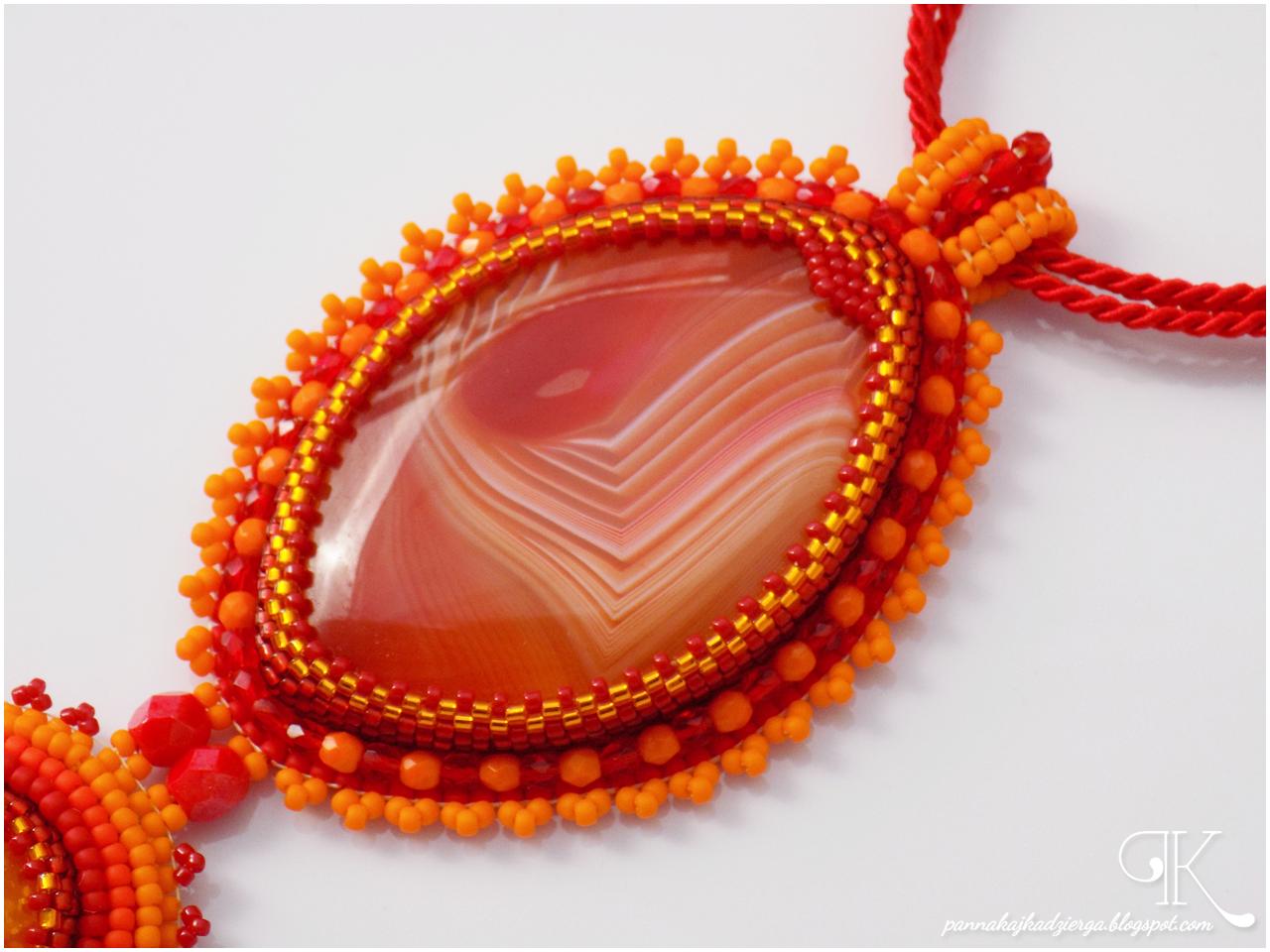 agat, wisior, handmade, rękodzieło, biżuteria, jewellery, jaspis, minerały, kaboszon, pomarańczowy, czerwony, żółty, wakacje, słońce, zachód słońca,