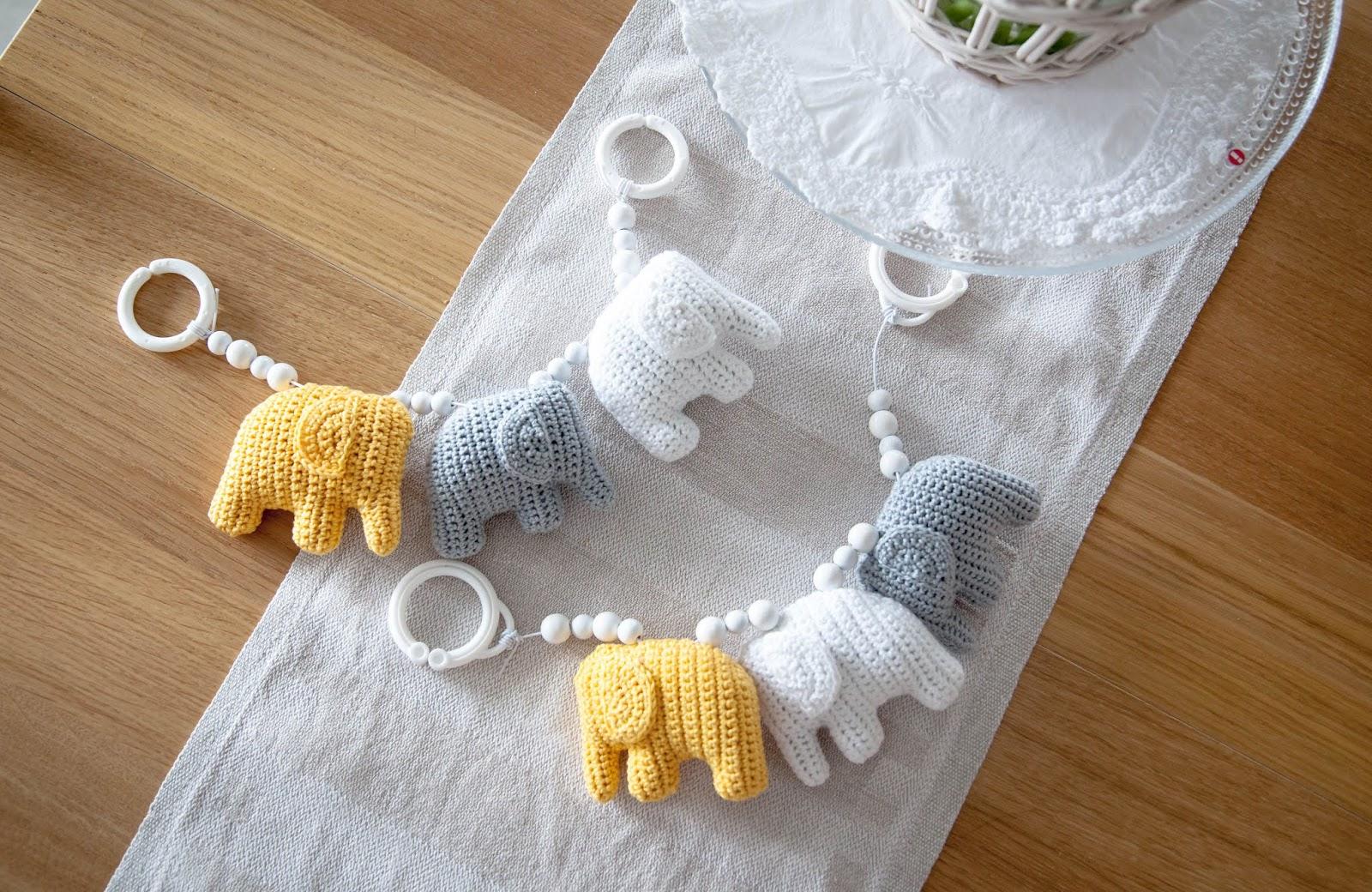 virkattu vaunulelu norsu crochet baby toy