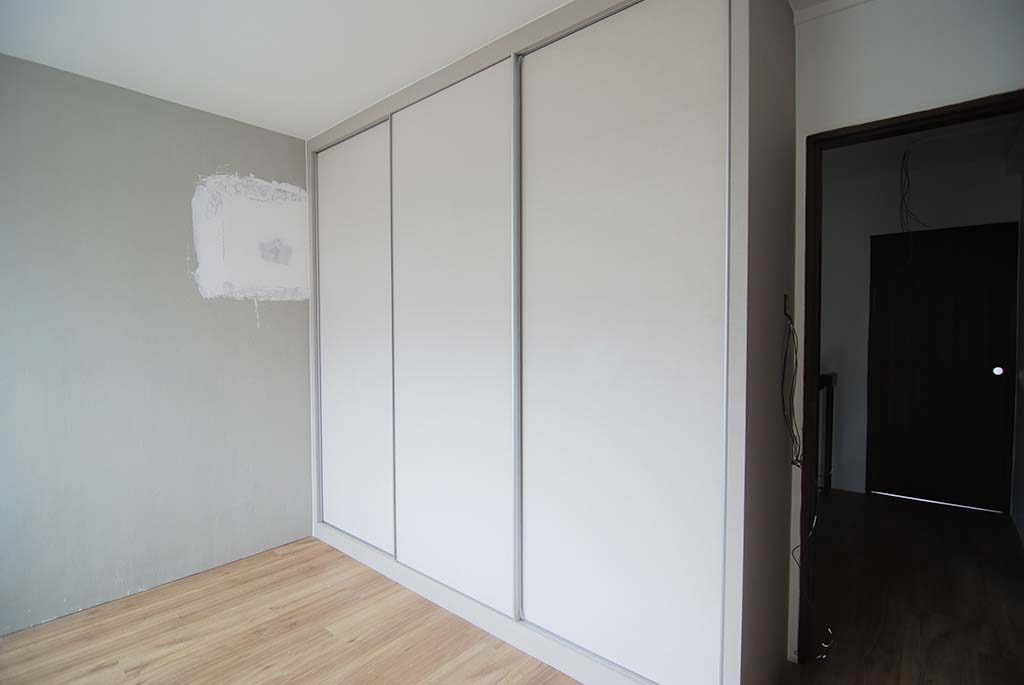 Butterpaperstudio Reno T2 Maisonette Upstairs Wardrobe