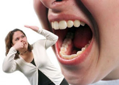 Cara Menghilangkan Bau Mulut Secara Alami Tanpa Gosok Gigi