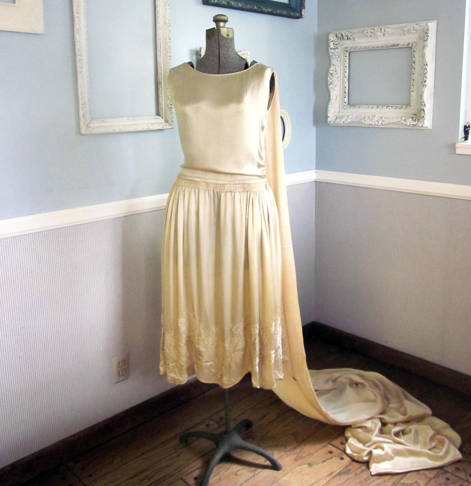 Second Wind Vintage: Heirloom 1924 Wedding Dress