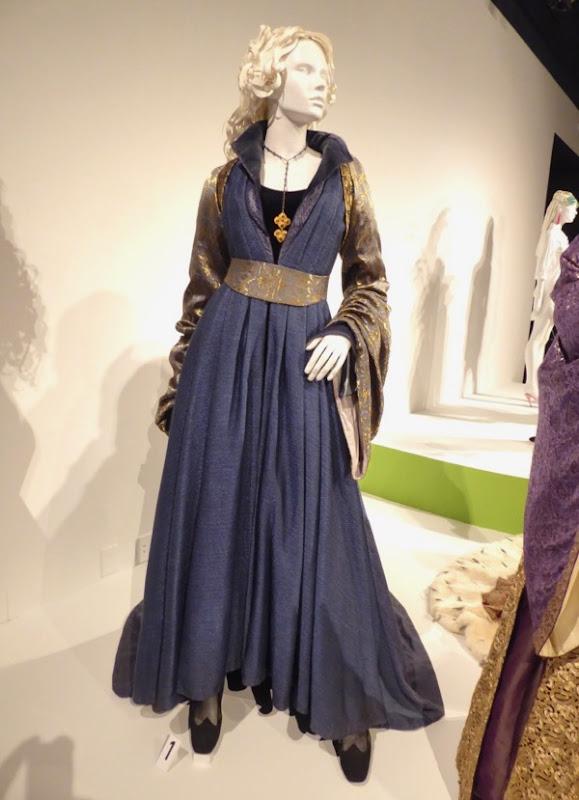 Essie Davis White Princess Elizabeth Woodville costume