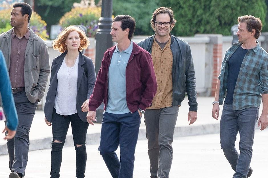 """Clube dos perdedores passeia no set em novas imagens de """"IT: A Coisa - Capítulo 2"""""""