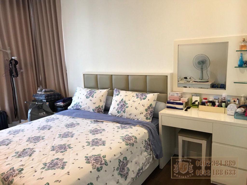 Cho thuệ căn hộ The Prince Residence ngay cầu Nam Kỳ Khởi Nghĩa - giường đôi phòng ngủ