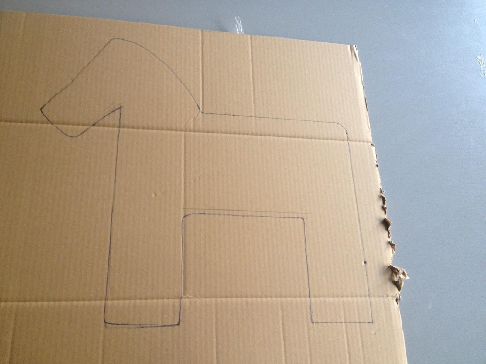 d calquer cette forme sur l 39 autre partie du carton. Black Bedroom Furniture Sets. Home Design Ideas