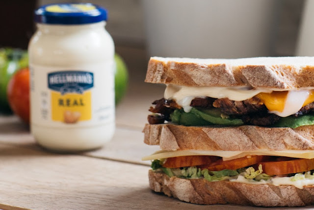 Club sandwich met pulled pork en Hellmann's mayo