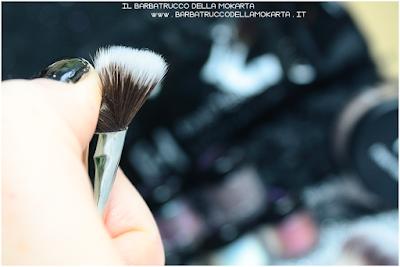 recensione precision angled brush contouring  linea professionale Finisterre mineral