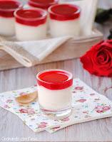 Crema de queso con gelatina de coulis de frambuesas
