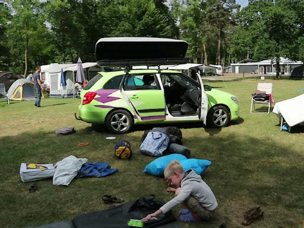 Weekoverzicht week 23; Vervolg kamperen, Vloggen, Schoolreisje, Dierenarts en Rommelmarkt!